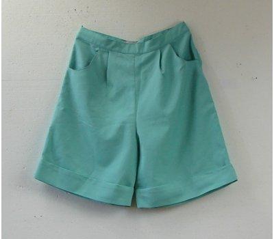 0985 Dámské šortky