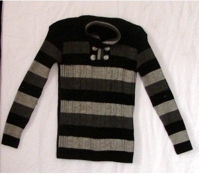 1437 Chlapecký svetr
