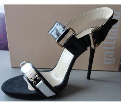 Luxusní kožené sandálky 40 Galliano