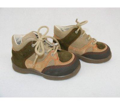 Kvalitní kotníčkové boty Ricosta