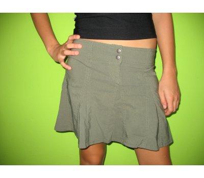 Dívčí / dámská sukně, vel. 4 odpovídá asi vel. XS