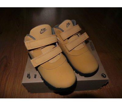 Kotníčkové boty Nike Nike