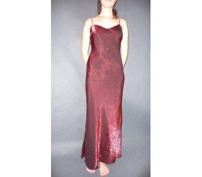 Plesové šaty vínové lesklé z Anglie