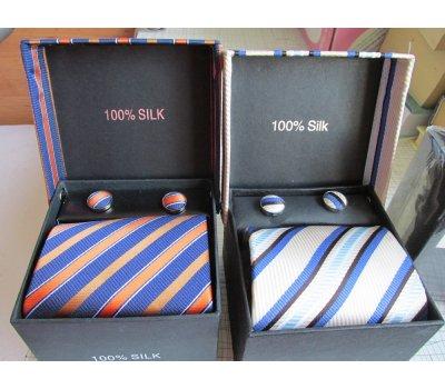 Kravata s manžetovými knoflíčky v dárkovém balení